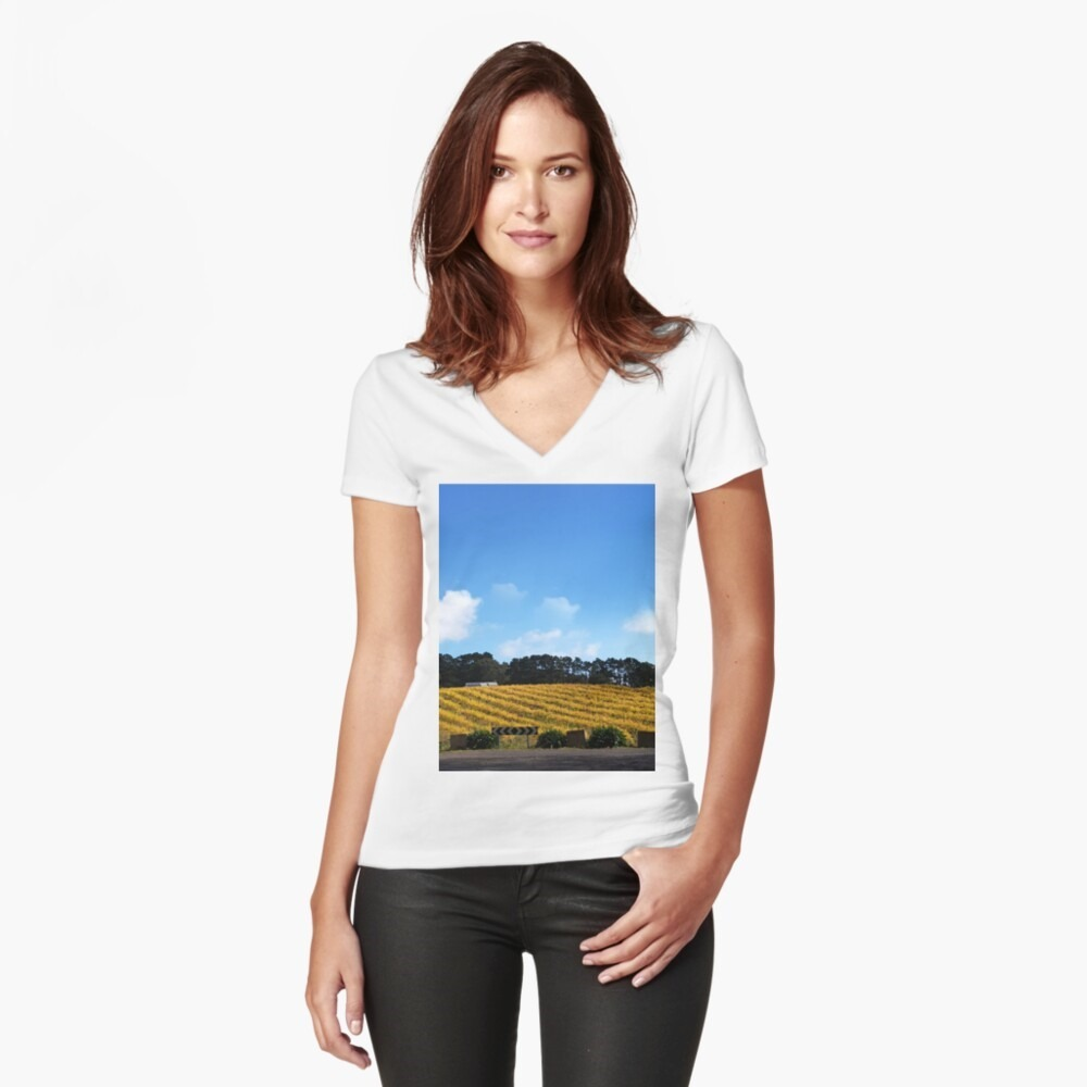 Womens outfit, t-shirts, clothing, Magpie Springs , Avril Thomas